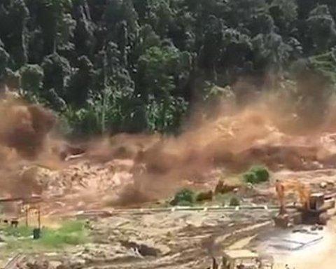 Сотні людей зникли безвісти: в Лаосі прорвало дамбу