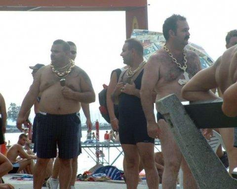 Французский Крым: соцсети высмеяли фейковые фото отдыхающих на оккупированном полуострове