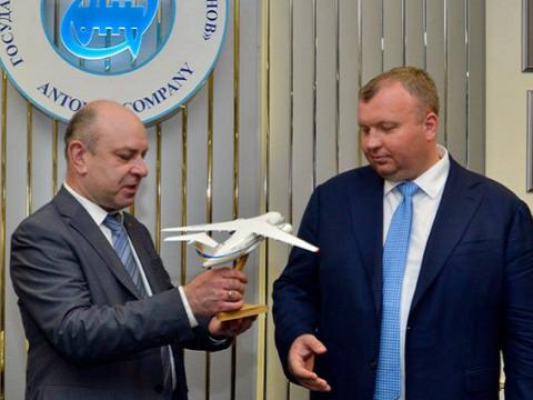 »Укроборонпром» начнет строить самолеты вместе с Boeing
