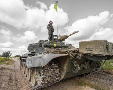 Окопи ЗСУ на Донбасі перетворилися на брудні калюжі: показові кадри