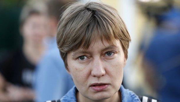 Сестра Сенцова призвала бойкотировать канал «112»
