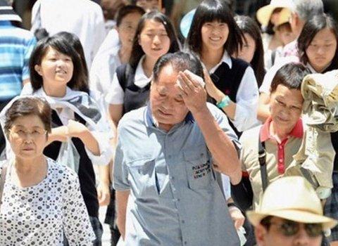 В Японії від аномальної спеки загинули десятки людей