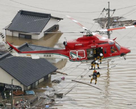 Количество погибших в Японии возросло до 70 человек