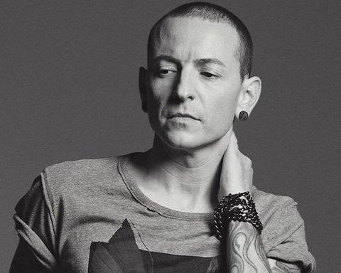 Учасники гурту Linkin Park зворушливо вшанували память вокаліста, що наклав на себе руки