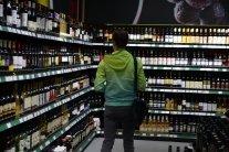 Десятки мільярдів гривень: скільки грошей витрачають українці на алкоголь