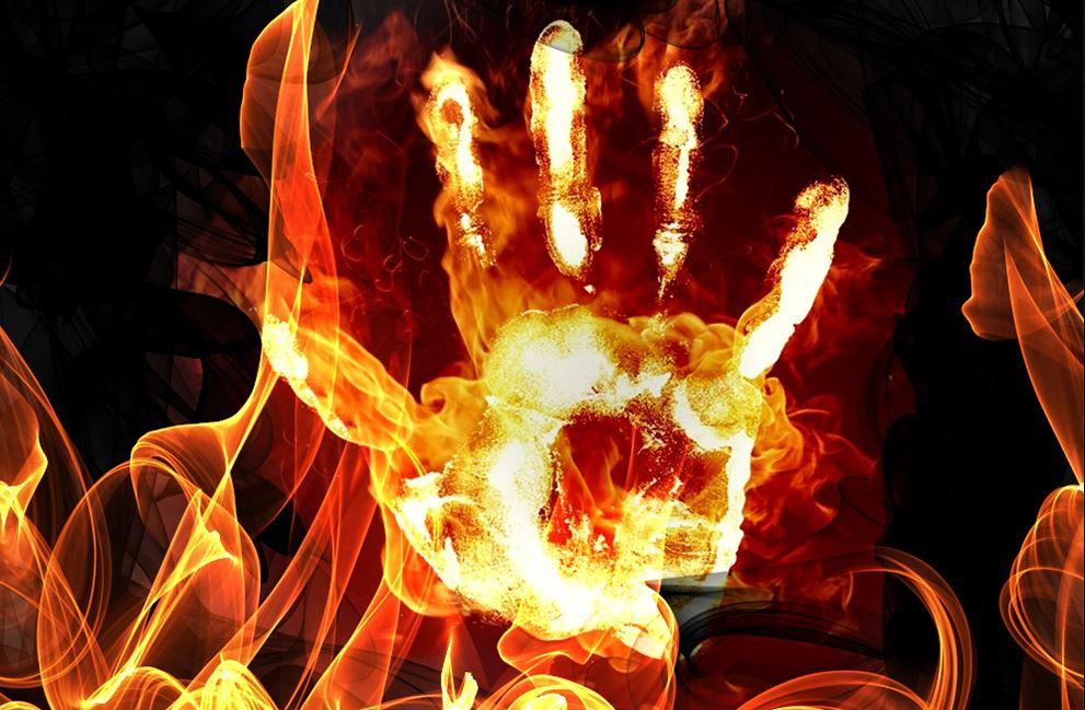 У центрі Києва чоловік намагався спалити себе через проблеми з житлом