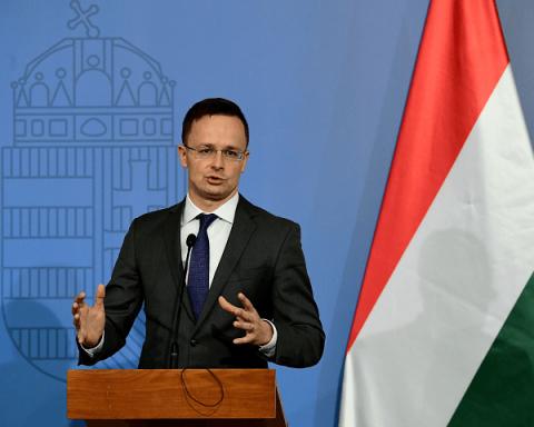 Венгрия продолжает обвинять Украину в бездействии