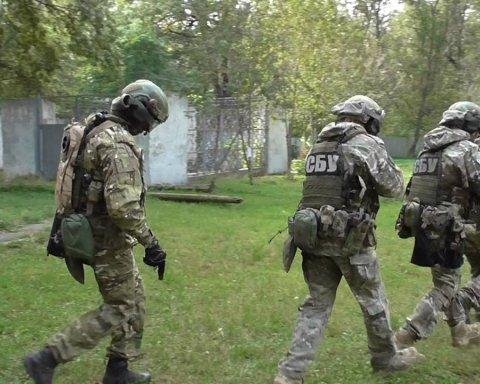 Фейковий ролик штурму бази Правого сектора силовиками СБУ рознесли «в пух і прах»