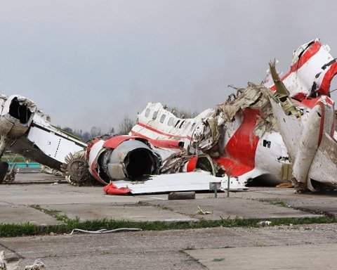 Гибель президента Качинского: РФ не позволяет провести реконструкцию обломков