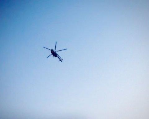 В США вертолет врезался в многоэтажку: первые кадры с места ЧП