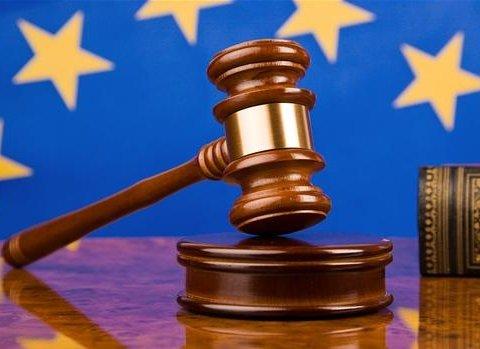 Европейский суд просит Сенцова прекратить голодать