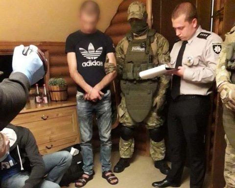 Стріляли в жінку: поліція затримала лідера і кілера одного з найбільших злочинних угруповань України