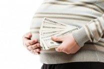 Іноземцям хочуть заборонити сурогатне материнство в Україні