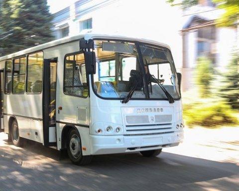 В Китае выпустили первые беспилотные автобусы