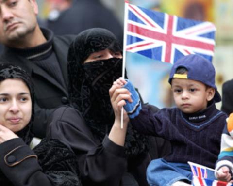 Британських дітей «змусили страждати» через біженців: стало відомо чому