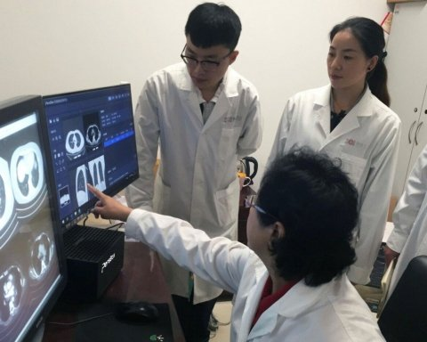 Медицина майбутнього: штучний інтелект перевершив кращих лікарів
