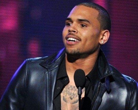 Известного певца задержали почти во время выступления: причина неизвестна