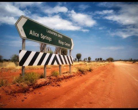 Укладання кілометрів асфальту за лічені години вразило соцмережі