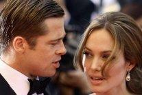 """Джолі вирішила остаточно """"знищити"""" репутацію колишнього чоловіка"""
