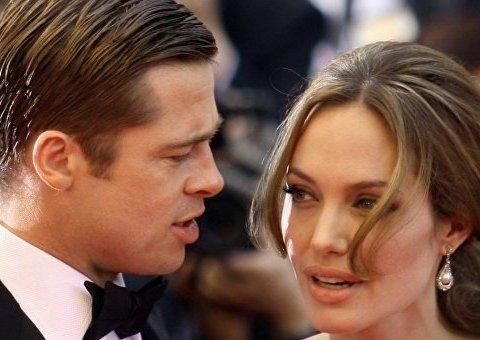 Брэда Питта обвинили в неуплате алиментов: Джоли наняла «детектива»
