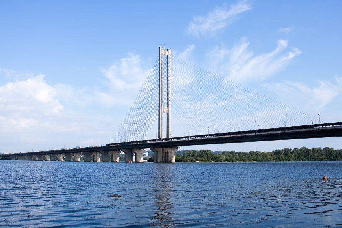 Київський рибалка натрапив на труп під мостом