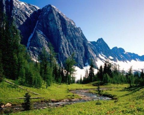Порятунку немає: українські туристи заблукали в горах Грузії