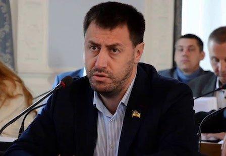 """""""Так буде з кожним"""", – Миколаївська активістка облила водою депутата"""