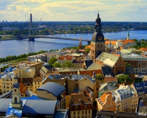Не только Польша: в какую страну страну «бегут» украинцы в поисках лучшей жизни