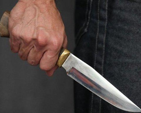 Поляк влаштував різанину у Києві: загинув чоловік, жінка бореться за життя