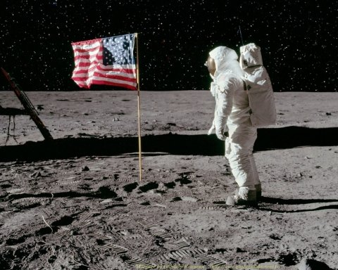 У РФ відмовляються вірити, що американці побували на Місяці: з'явилися дані