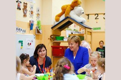 Пока медведи продолжают род: Меркель засняли в пикантной ситуации