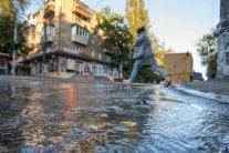 Зливи у Києві: столичні дороги перетворились на річки