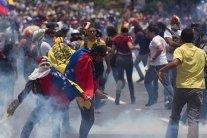 Маленького ребенка застрелили во время массовых беспорядков: задержаны четверо копов