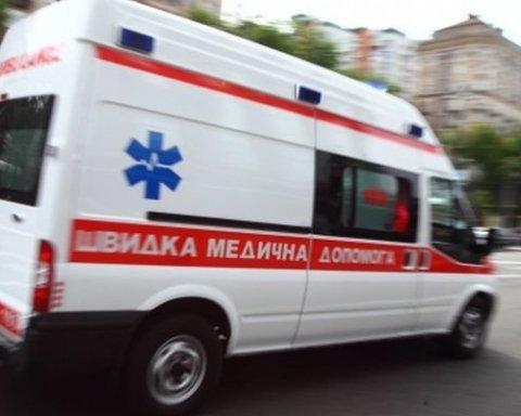 У центрі Києва загадково помер чоловік, швидка не встигла