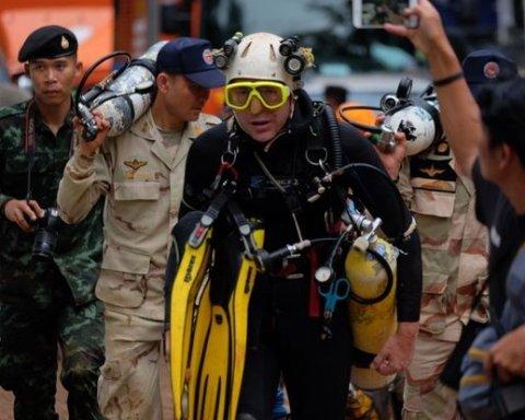 У Таїланді почалася операція з порятунку дітей, які застрягли в печері