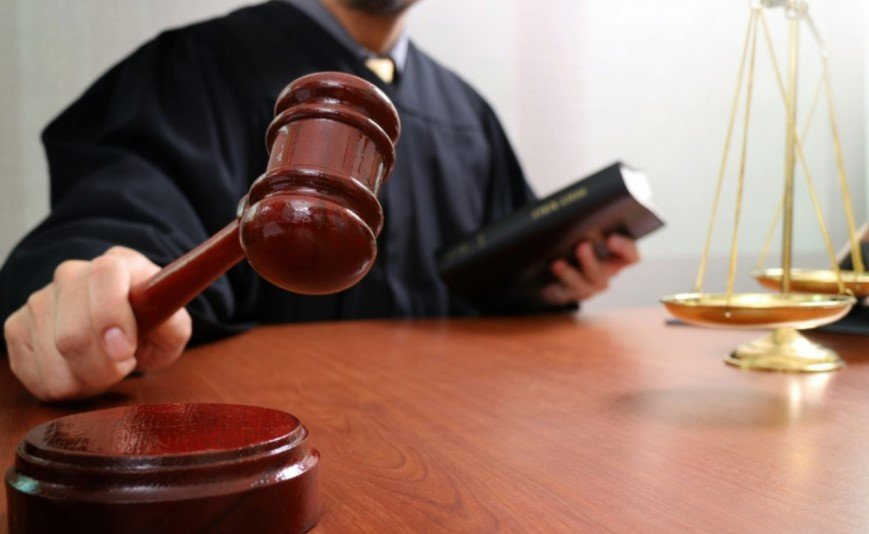 Нецензурні лексика і жести: з'явилось відео зі скандальною суддею на Запоріжжі