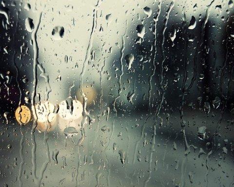Мощный ливень добрался до Киева: фото и видео затопленной столицы