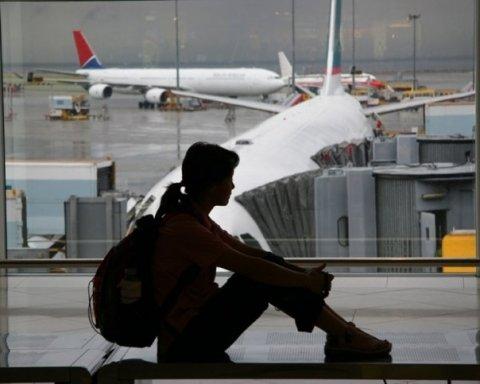 Украинские туристы более, чем на сутки, застряли еще в одном аэропорту Европы