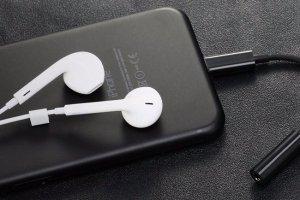 Apple отобрали у пользователей важный аксессуар