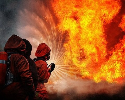 Харьков в огне: пламя объяло местный ВУЗ
