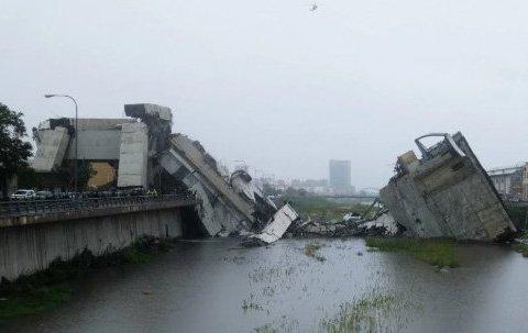 Обвал мосту в Італії: десятки загиблих, серед яких діти