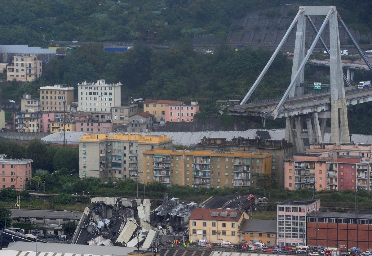 На обрушевшемся в Генуе моста были украинцы: что известно