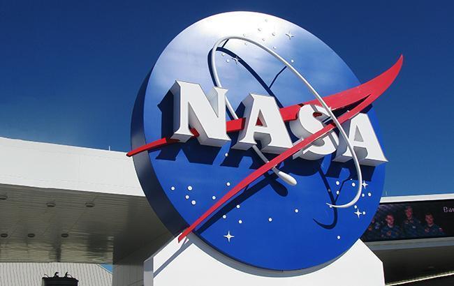 Вуличний космонавт: NASA представила лінійку одягу на честь 60-річчя