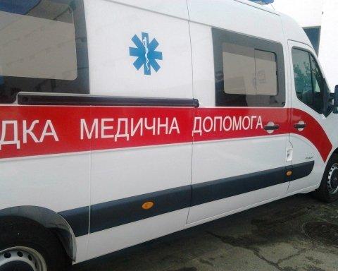 У Києві голий неадекват випав з вікна