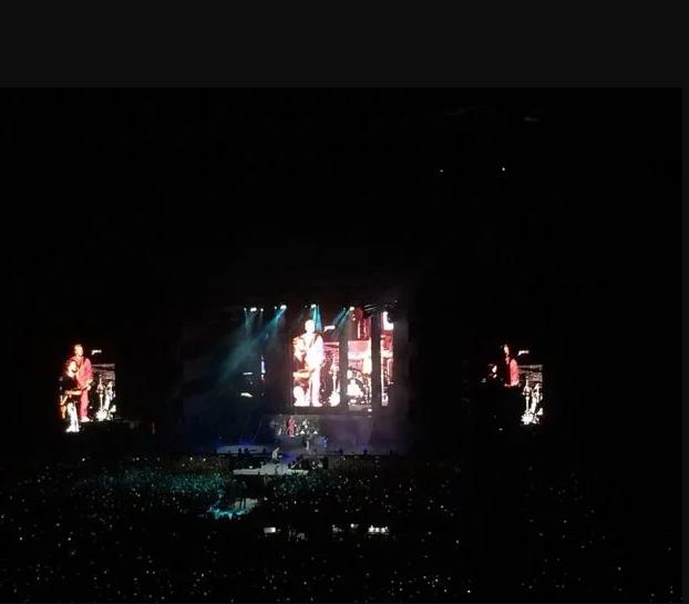 Imagine Dragons устроили фурор на концерте в Киеве с флагом Украины