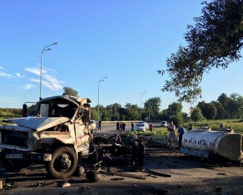 Водій згорів живцем у моторошній аварії на Рівненщині