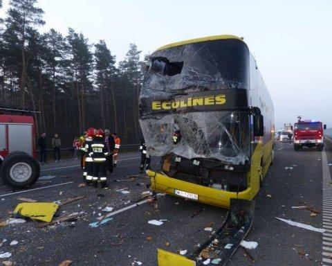 В Польше попал в аварию автобус с украинскими туристами: есть погибшие