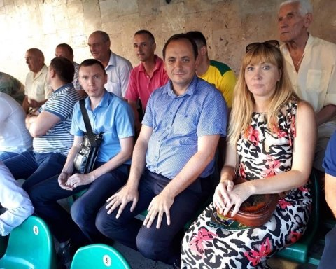 Мэр Ивано-Франковска сходил на футбол и матом обложил арбитра