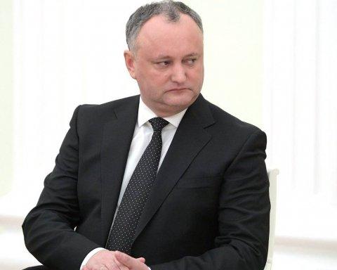 Додон готов к диалогу с Украиной, несмотря на поддержку Кремля