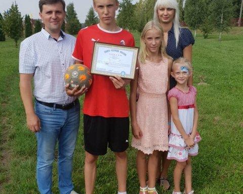 14-річний хлопець з Волині перевершив Роналду, Мессі і Неймара